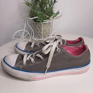Junior Converse Tennis Shoes Chucks size 4